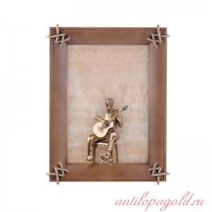 Картина на ониксе Гитарист