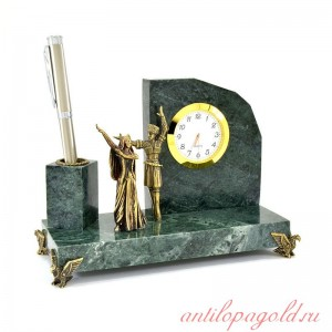 Настольный набор с часами Горец и горянка