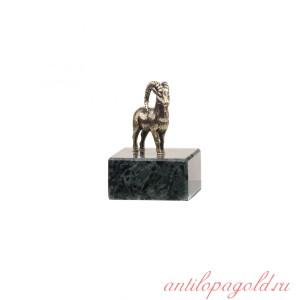 Статуэтка Горный козел на подставке