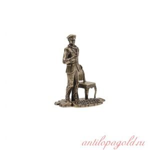 Статуэтка Остап Бендер со стулом