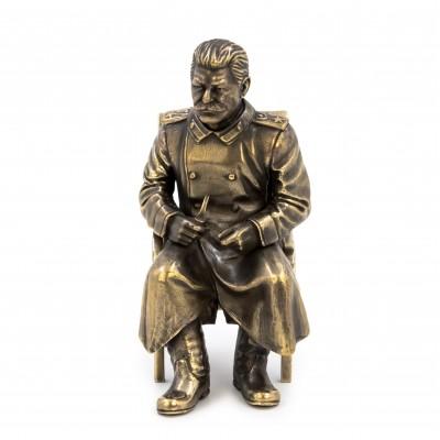 Сталин на стуле