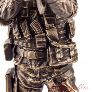 Статуэтка Спецназовец