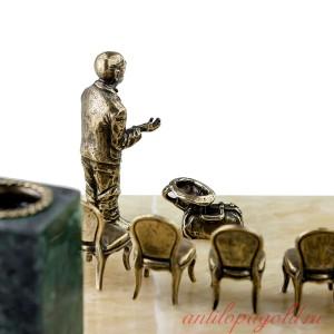 Подарочный настольный набор 12 стульев. Остап с Кисой