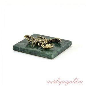Статуэтка Скорпион на камне