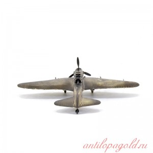 Модель советского штурмовика Ил-2 (1:72)