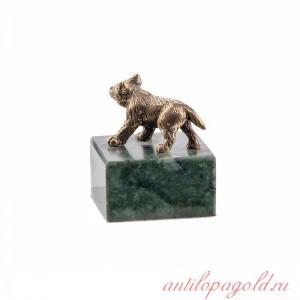 Статуэтка Волчонок стоящий на камне