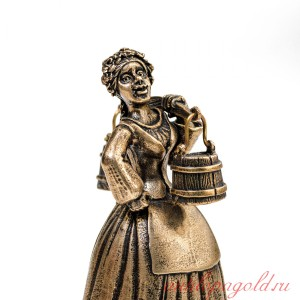 Колокольчик Девушка с коромыслом