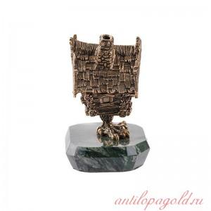 Статуэтка-шкатулка Избушка на курьих ножках на камне