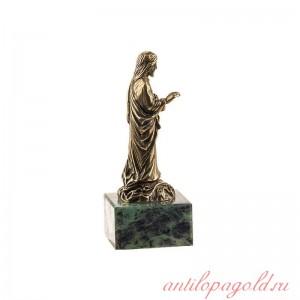 Статуэтка Иисус Христос на камне