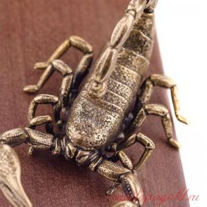 Подставка под дверь Скорпион