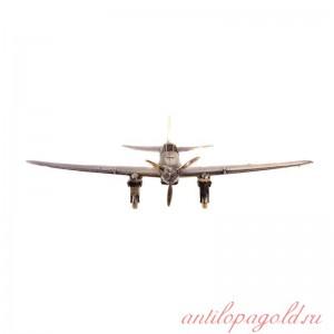 Советский штурмовик Ил-2(1:144) на подставке
