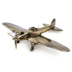Советский штурмовик ИЛ-2(1:48)