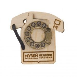 Магнит деревянный Музей телефонов