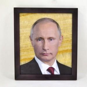 Картина на ониксе В.В. Путин в рамке