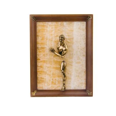 Картина-панно из камня оникс Обнаженный парень. Большой