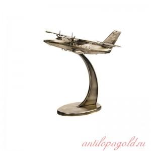 Самолет Л-410 1:35