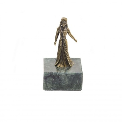 Статуэтка Горянка в танце на камне