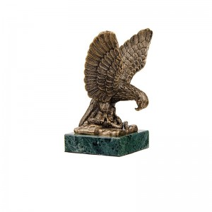 Статуэтка Орел пятигорский. Большой на камне