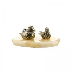 Статуэтка Утки-мандаринки: селезень и утка на подставке