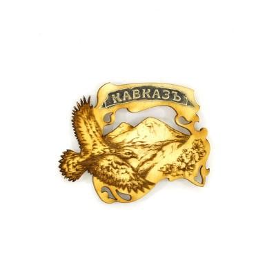 Сувенирный деревянный магнит Кавказ. Орел на фоне Эльбруса